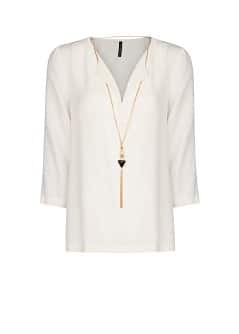 Necklace flowy blouse