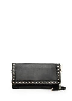 Studded flap clutch