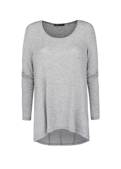 Scoop neckline lightweight t-shirt