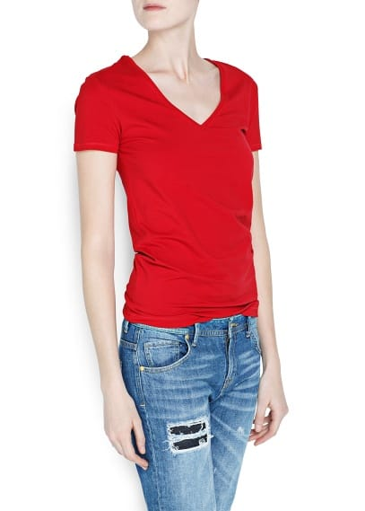 V-neckline cotton t-shirt