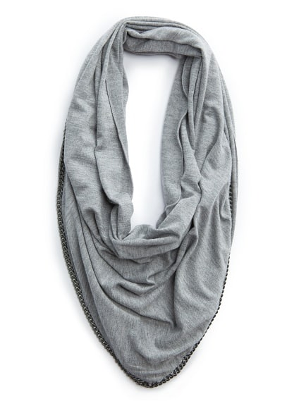 Chain triangle scarf