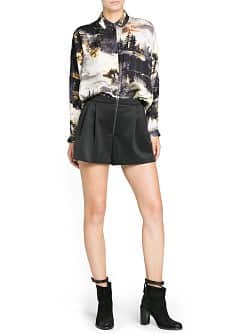 Neoprene effect pleated shorts
