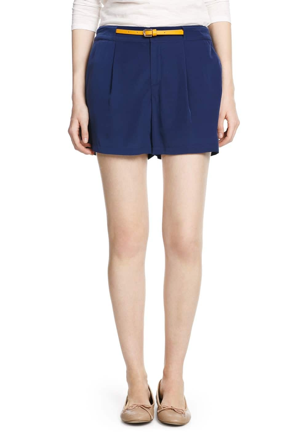 Satin pleated shorts | MNG