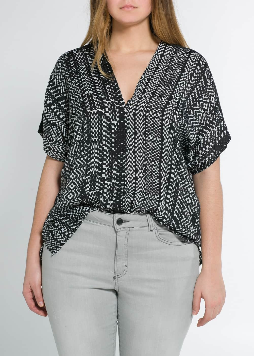 Monochrome print top