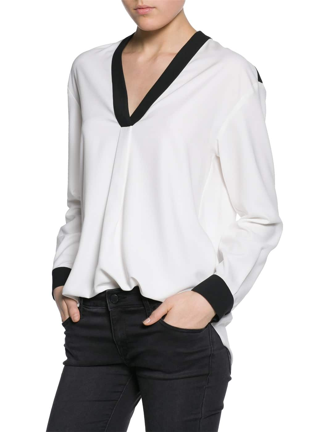 Contrast edge blouse