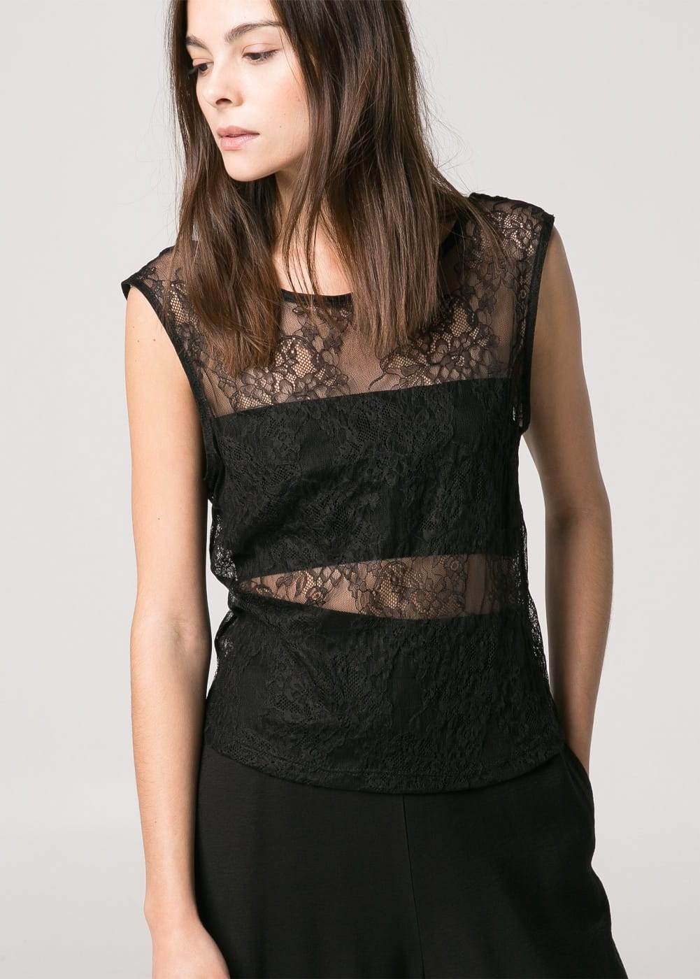 Floral lace top | MANGO