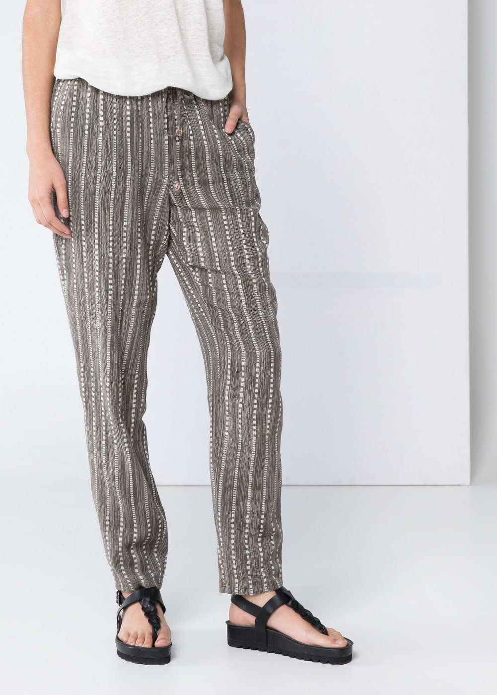 Jacquard cotton trousers | MANGO