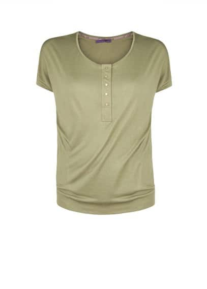 Button t-shirt