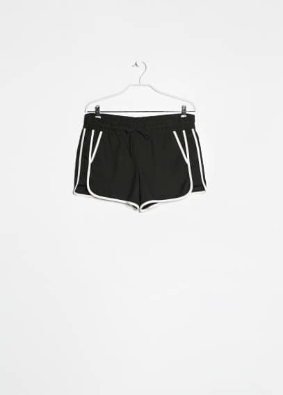 Monochrome sporty short