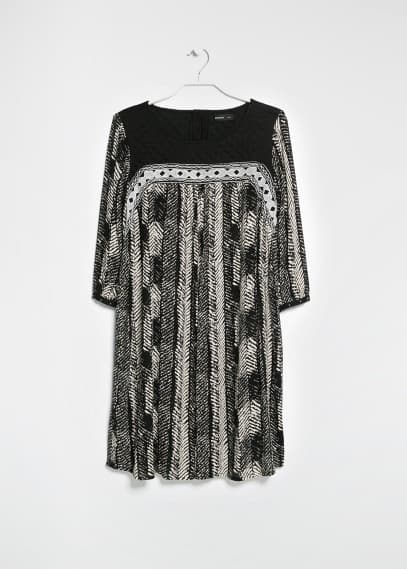 Monochrome ethnic dress
