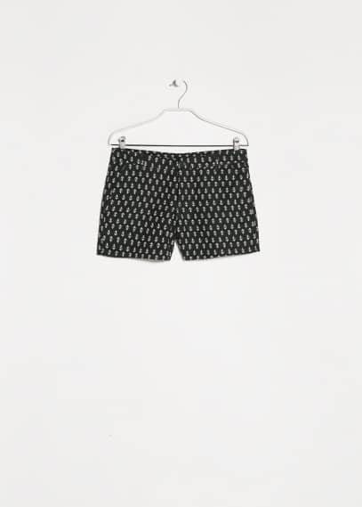 Short estampado corbatero