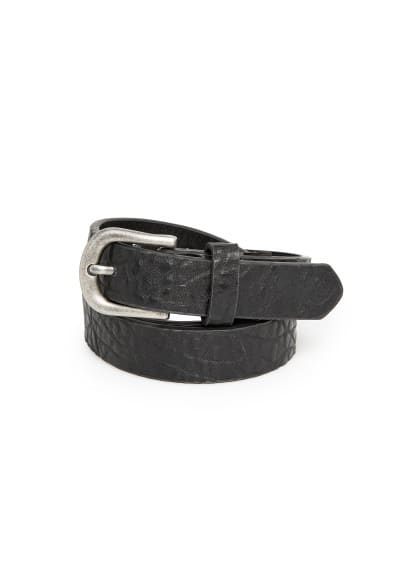 Textured pebbled belt