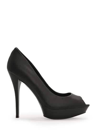 Peep-toe platform shoes