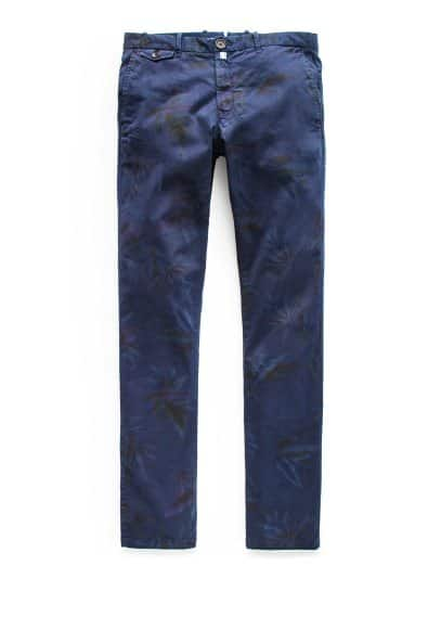 Garment-dyed slim-fit chino met print