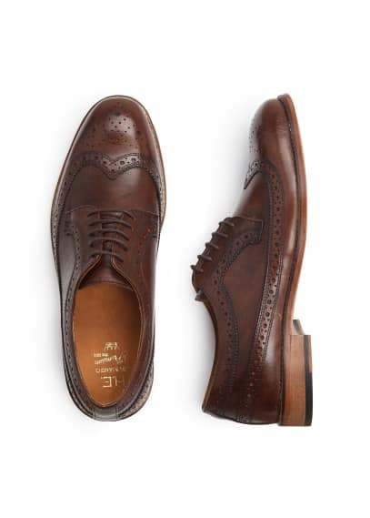 Brogueing leather blucher