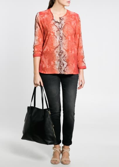 Blusa estampado serpente