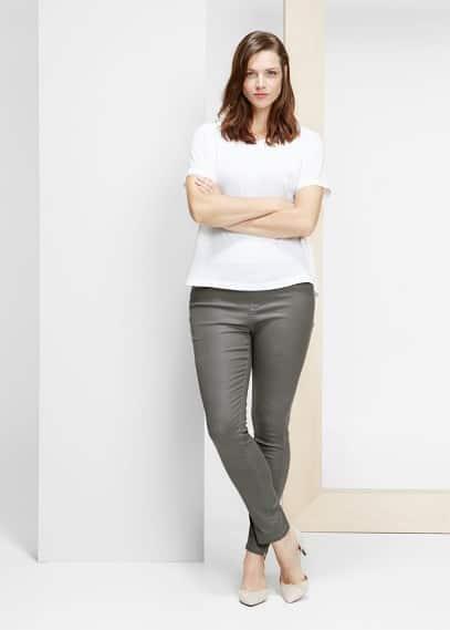 Pantalons slim encerats | VIOLETA BY MANGO