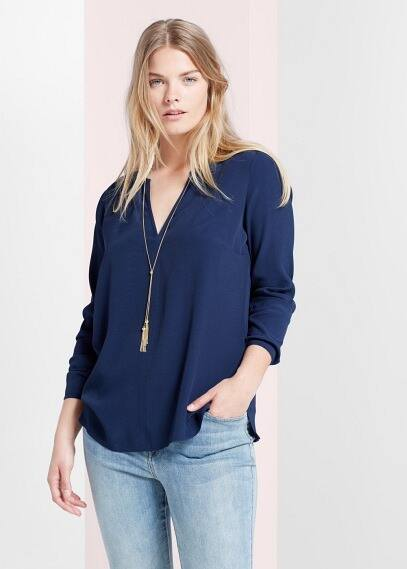 Decorative chain blouse | VIOLETA BY MANGO