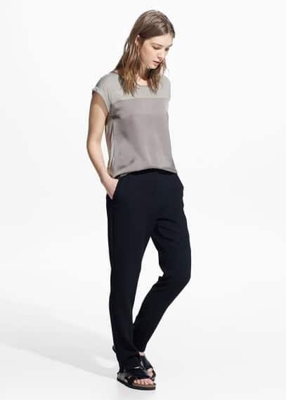 T-shirt mit kontrasteinsatz | MANGO