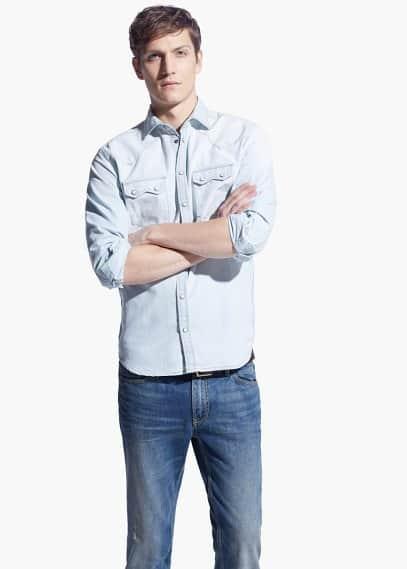 Приталенная рубашка из выбеленного денима | MANGO MAN