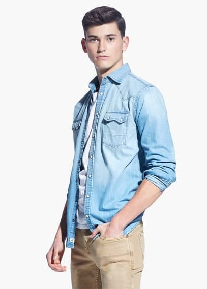 Slim-fit light wash denim shirt | MANGO MAN
