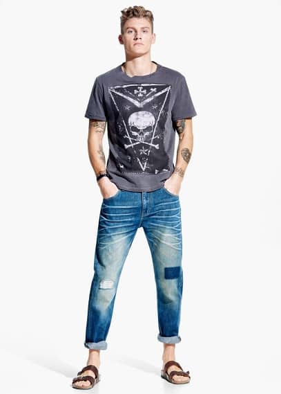 T-shirt mit totenkopfaufdruck | MANGO MAN