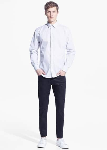 Modern slim-fit printed shirt