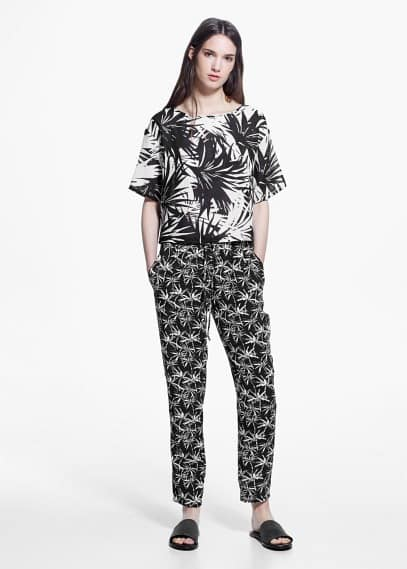 Baggy flowy trousers | MANGO
