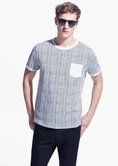 T-shirt met print en borstzak | MANGO MAN