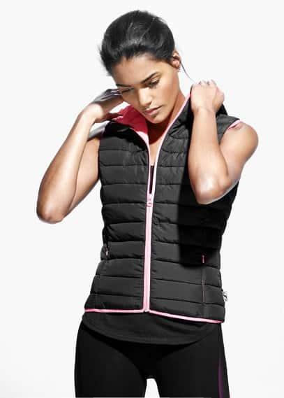 Fitness & running - hooded outdoor gilet   MANGO