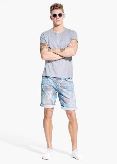 Tropical-print denim bermuda shorts | MANGO MAN