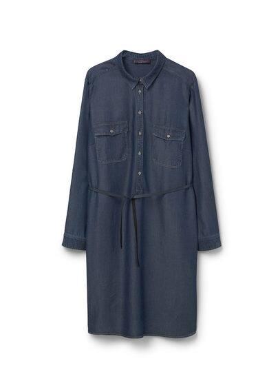 Robe Chemisier Denim - Fermeture boutonnée sur le devant, deux poches à rabat boutonné sur le devant, manches longues avec poignets boutonnés, pattes pour retrousser, ceinture amovible, deux poches latérales.