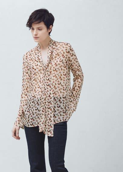 Blusa lazo cuello | MANGO