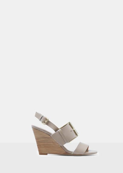 Buckles leather sandal | VIOLETA BY MANGO