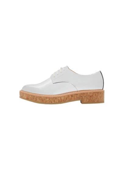 Chaussures Oxford Métallisées - Finition métallisée, lacets, semelle en liège, plateforme de 3,5 cm.