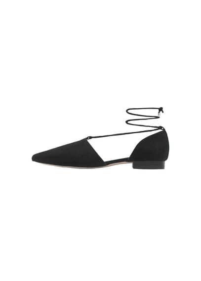Chaussures Plates Bout Pointu - À pointe, toucher doux, cordons à nouer.