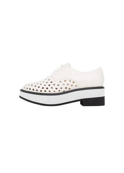 Chaussures Perforées - Empiècement perforé, lacets, talon de 5,5 cm.