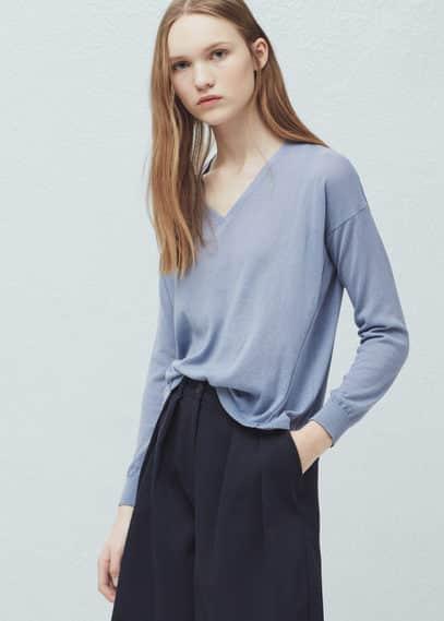 V-neck sweater | MANGO
