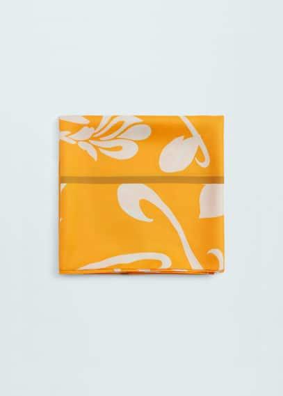 Mocador floral | MANGO