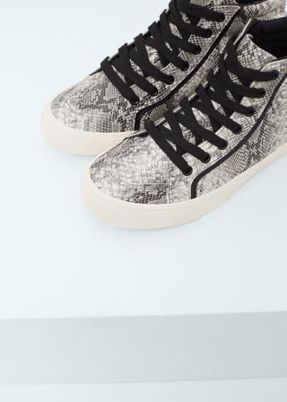 Snake-effect sneakers | MANGO