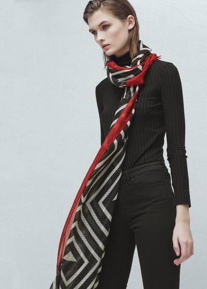 Printed bicolor foulard | MANGO