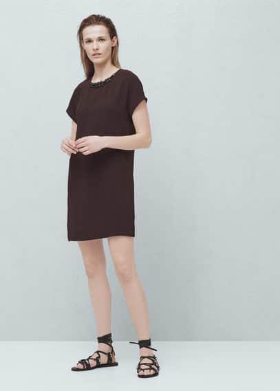 Langes kleid mit perlenkragen | MANGO