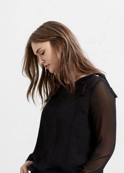 Decorative embroidery blouse | VIOLETA BY MANGO