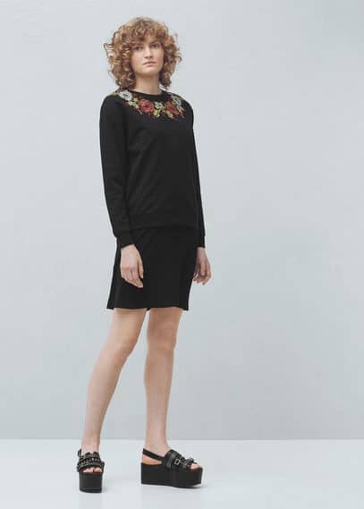 Embroidered cotton sweatshirt | MANGO