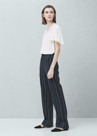 Bluse mit spitzeneinsatz | MANGO