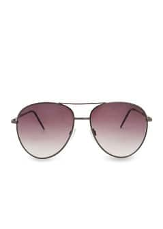 Aviator style sunglasses