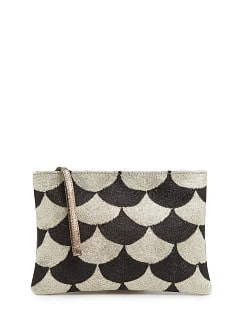 TOUCH - Metallic clutch met geschulpt patroon