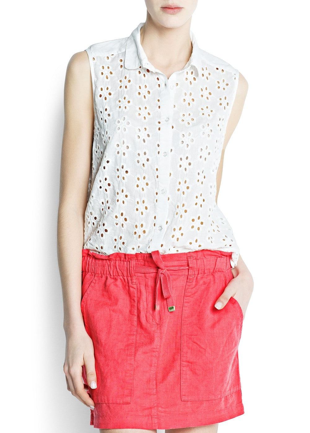 Floral broderie blouse | MANGO