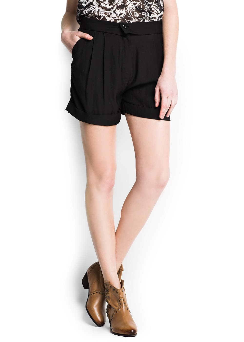 Wrapped waist loose-fit shorts