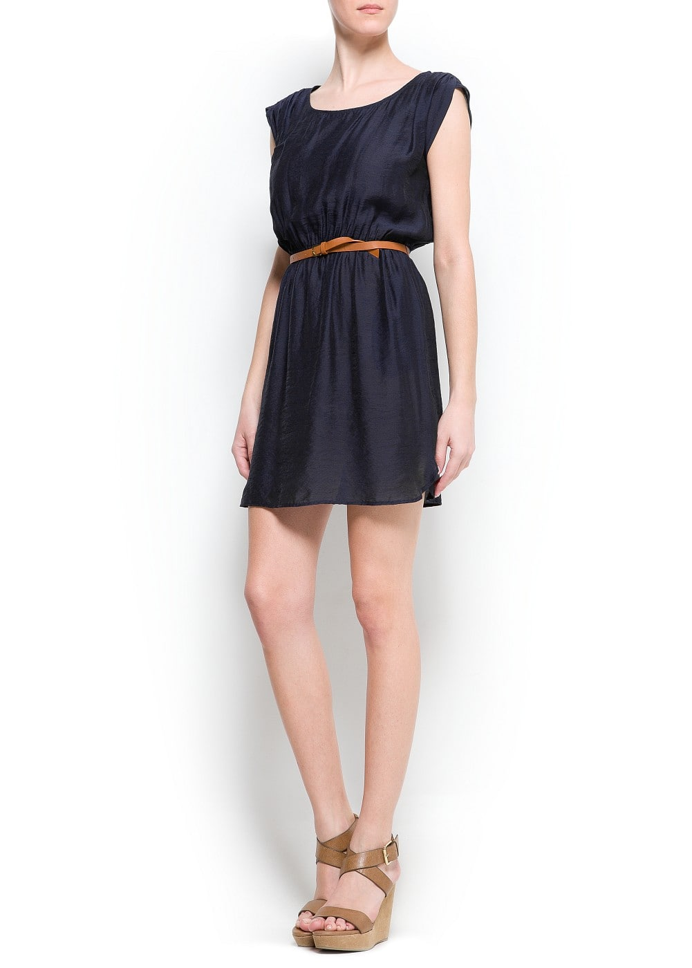 Pleated dress with belt